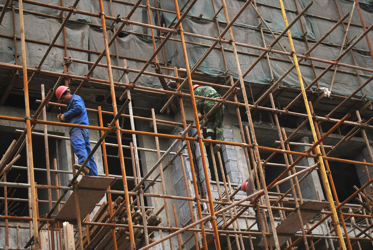Guide to Ensuring Scaffolding Safety for Industrial Painting Projects
